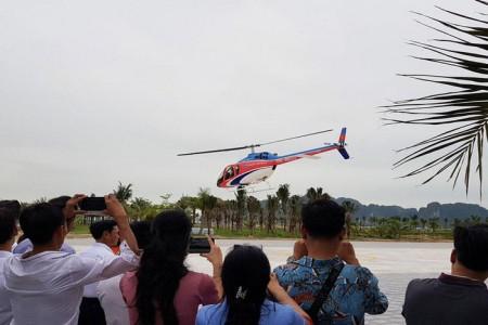 Ngắm toàn cảnh kỳ quan Vịnh Hạ Long bằng máy bay trực thăng Bell 505