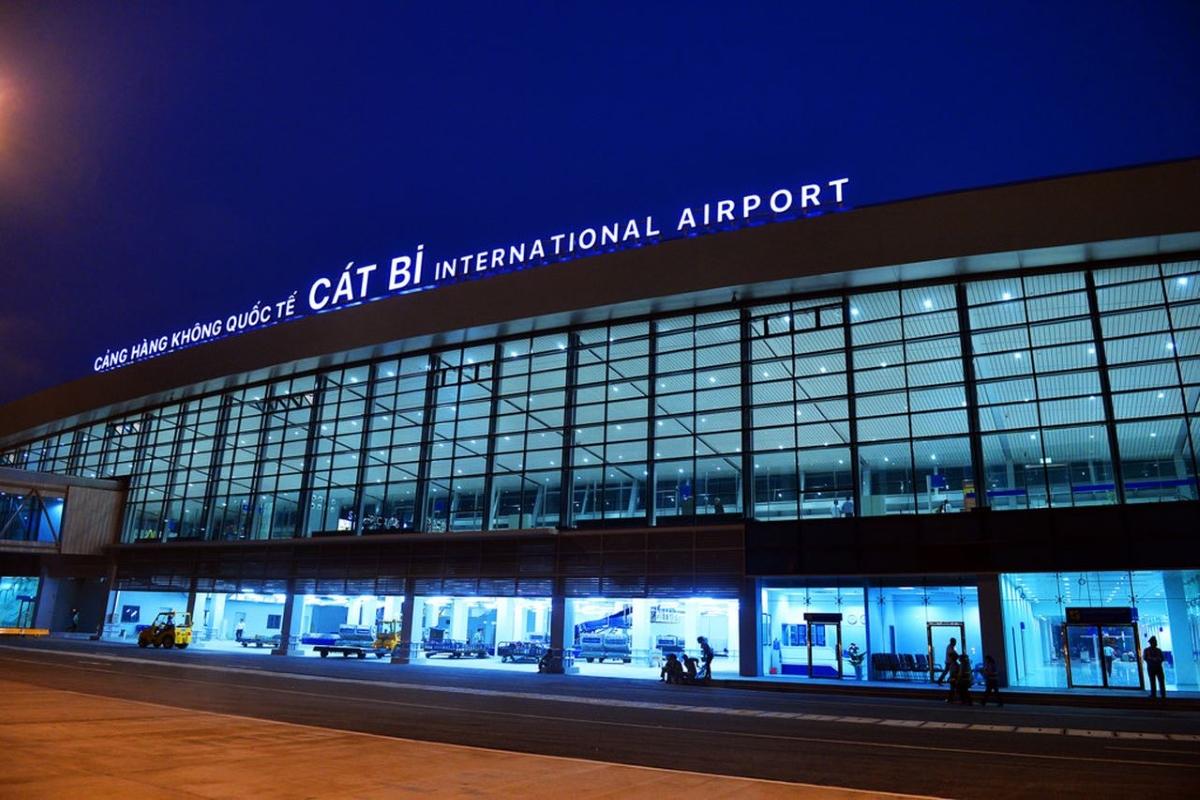 airport-near-halong-bay2-2.jpg